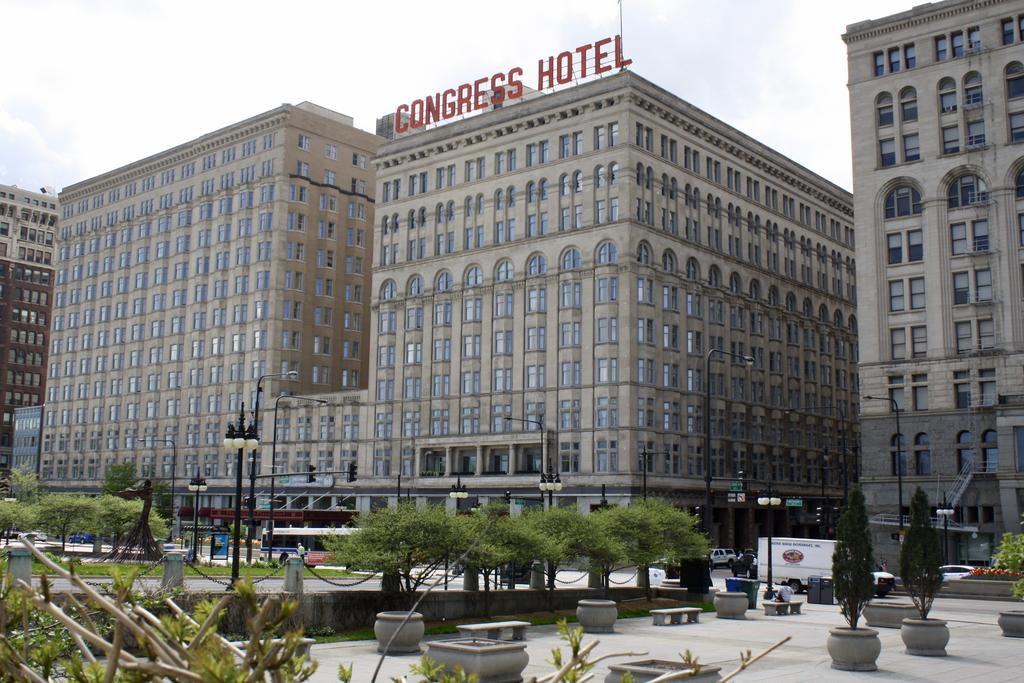 The Congress Plaza Hotel and Convention Center paranormal